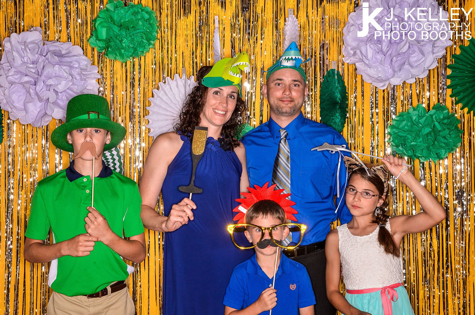 Columbia Missouri open air photo booth rentals with custom background