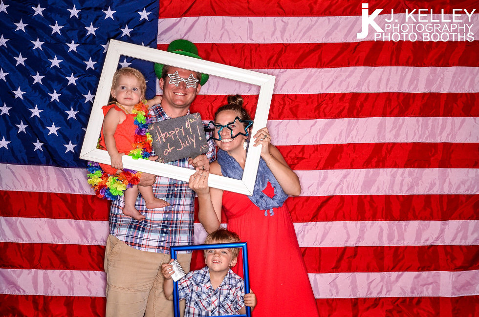 Columbia MO best photo booth rentals for wedding receptions